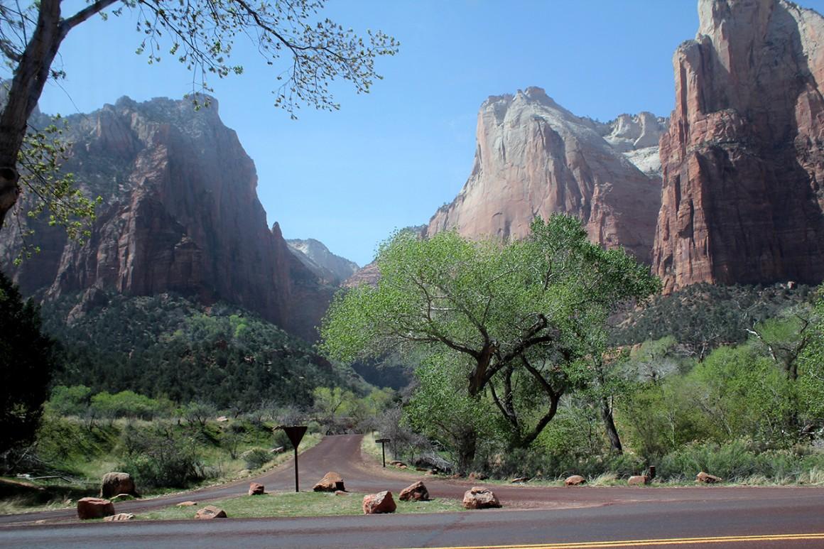 sam środek parku narodowego, a drogi lepsze niż nasze autostrady